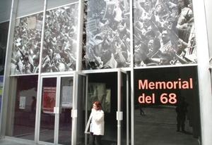 """""""Emplazamos a todos los sectores sociales, a las fuerzas políticas, a las instituciones a dar una respuesta y reconocer que la masacre del 2 de octubre fue un crimen de Estado que debe ser juzgado"""", dijo el dirigente del """"Comité del 68"""" y uno de los líderes de ese movimiento, Raúl Álvarez Garín."""