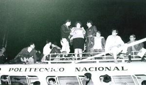 Los estudiantes buscaban atraer la atención que había sobre la ciudad por los Juegos Olímpicos de 1968. El entonces presidente Gustavo Díaz Ordaz, estaba empeñado en detener las protestas y en septiembre, semanas antes de la masacre, ordenó al ejército ocupar el campus de la Universidad Nacional Autónoma de México (UNAM).