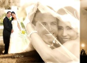 Sr. Enrique Pérez Díaz y Srita. Mayra Mireya Valdés Cuéllar contrajeron matrimonio judío en el Club Campestre Montebello el sábado 13 de septiembre de 2008.  <p> <i>Estudio Videosecuencia Creativa-Gerardo Rivas</i>