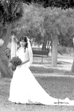 Srita. Carolina Ramírez Ponce el día de su matrimonio civil con el Sr. Luis Fernando Jáuregui Arras. <p> <i>Estudio Carlos Maqueda</i>