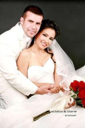 Sr. Érick González Guerrero Y Srita. Mónica Cynthia Castro García contrajeron matrimonio en la parroquia de La Sagrada Familia el sábado 30 de agosto de 2008.  <P> <I>Aldaba & Diane Fotografía</I>