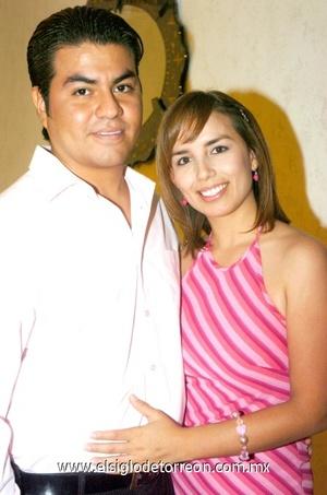 05102008 César Martínez y Patricia Espinoza.