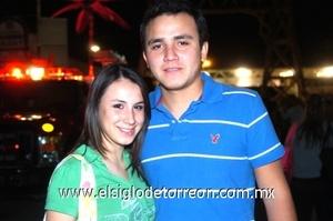 07102008 Paola de la Peña y Alberto Escobedo.