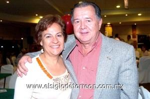 12102008 Lupita Leal de Gutiérrez y Omar Gutiérrez.