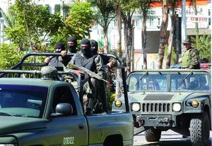 Hasta ahí llegaron los presuntos narcotraficantes y les dispararon; los agentes de seguridad repelieron la agresión.