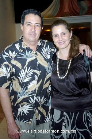 12102008 Rosario y Tito Salas.