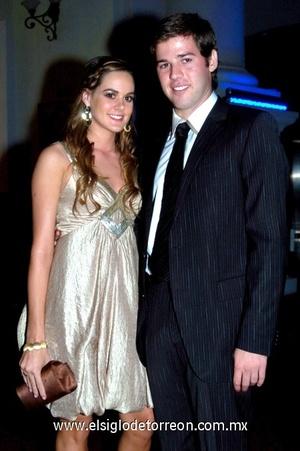 14102008 Ana Cris Estrada y Carlos Villarreal.