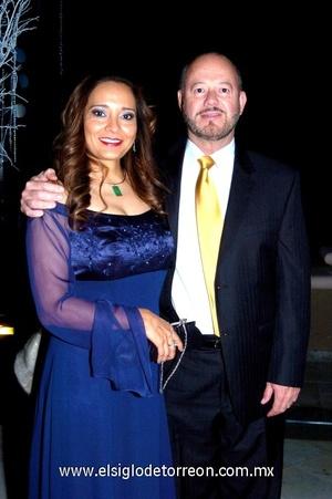 14102008 Sandra Luz García de Garza y Rodolfo Garza.