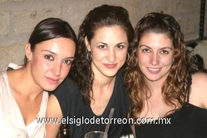 Angie Villarreal, Ale Aguilar y Raquel Lavín.