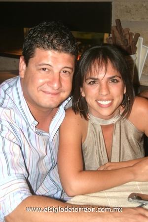 Juan Pablo Garza y Rina Gilio.
