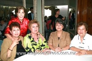Lucy Máynez de Cervantes, Alfonsina Barba de Ramírez, Elvia de Madero, Aurora Zorrilla y Maty Moscoso de Ruenes.