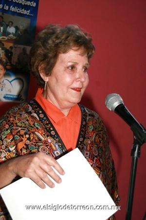 <b>¡En hora buena!</b><p> Leonor Zertuche de González.