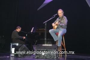 <b>Concierto al 100</b><p> Joan Manuel Serrat conquistó a los laguneros durante su presentación.