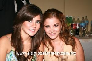 Gigi Mena y Mariana Flores.