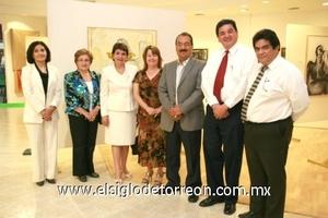 <b>Expone su obra</b><p> Teresa Díaz, Alicia Villanueva, Bertha Flores, Socorro de Martìnez, Josè Manuel Martìnez, Pascual Hernàndez y Jorge Luis Caballero.