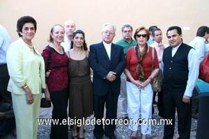 Marilú Finck, Nancy de Jalife, Yolanda Jalife, Sofy García Camil, Sr. Obispo José Guadalupe Galván, Tere Palacios y Víctor Manuel Gómez.