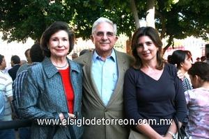 Alberto González Domene, Rosario de González y Cecilia de Saenz.