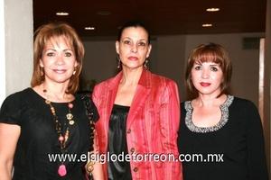 Belinda Romero, Chenis Lurueña y Silvia Muñoz.
