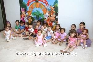 Los pequeños disfrutaron de una divertida fiesta para Carlos Martínez Belausteguigoitia.