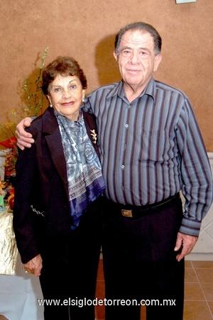 19102008 Doña Lupita Mier viuda de Román y Tomás Matías Román Mier