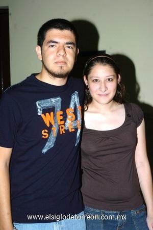 22102008 Salvador Flores y Mayra Rangel