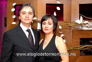 26102008 José y Paty Mota.