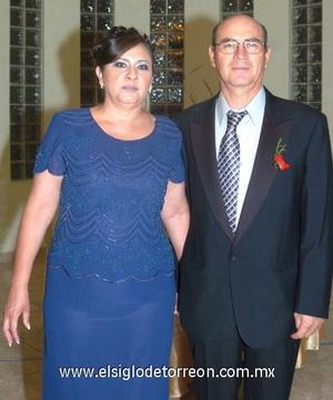 26102008 Josefina Esparza de Zamarripa y Roberto Zamarripa Mauricio, papás de la novia