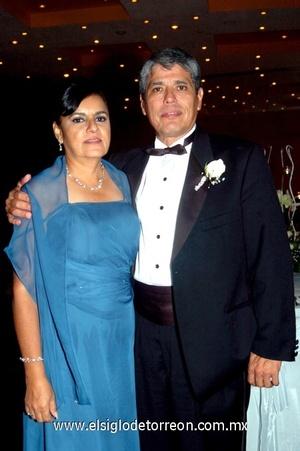26102008 María Victoria Palomares y Jorge Magadán, papás de la novia.