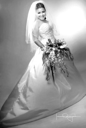 C.P. María Elena Gutiérrez Benítez unió su vida en sagrado matrimonio a la del Ing. Óscar Osvaldo Muñoz Martínez. <p> <i>Estudio Laura Grageda</i>