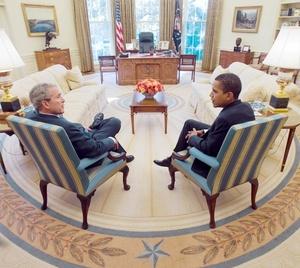 El presidente saliente de Estados Unidos, George W. Bush, y su sucesor, Barack Obama, tuvieron una reunión privada en la Casa Blanca.