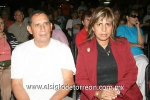 02112008 José Luis Hernández y Alejandra Flores.
