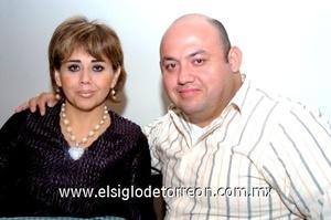 02112008 Mary Cruz Magallanes y Beto Lavenant.