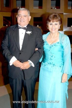 05112008 José Luis y Mercedes Orozco, papás de la novia