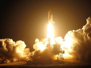 La Estación Espacial Internacional (EEI) quedará convertida en una residencia de lujo tras las cuatro caminatas que la NASA ha previsto para que los astronautas del transbordador amplíen y mejoren el espacio habitable del puesto orbital.