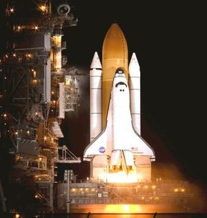 El lanzamiento del Endeavour bajo un cielo límpido y luna llena se llevó a cabo a las 19.55 locales (00.55 GMT), tras disiparse la amenaza de mal tiempo en la región del Centro Espacial Kennedy en la Florida (EU.).