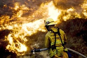 Las causas que originaron el incendio, en un conocido edificio de la zona llamado Tea House, están siendo investigadas.