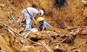 Los trabajos de rescate continúan para ubicar cuatro personas que aún siguen desaparecidas.