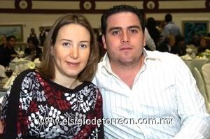 11112008 Claudia y Memo Arratia.