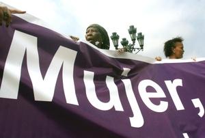 El Día de No violencia contra la Mujer fue declarado por la ONU en 1999 en honor a las dominicanas Patria, Minerva y María Teresa Mirabal, asesinadas por la policía secreta del dictador Rafael Leónidas Trujillo (1930-1961) el 25 de noviembre de 1960.