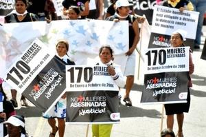 En El Salvador, Guatemala, República Dominicana, Costa Rica Nicaragua y Perú miles de mujeres marcharon para exigir investigación en los casos de feminicidios y el fin de la violencia de género.