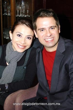 19112008 Desiree Gutiérrez y Darío Mora