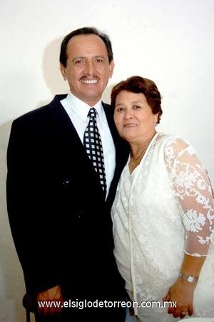 19112008 Nicolás Hernández Contreras y María Concepción Ruiz de Hernández celebraron 35 años de casados