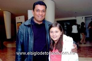23112008 Juan Evaristo Márquez con su hija Lilian Gabriela Márquez.