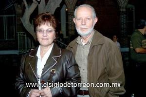 30112008 Mussy S. de Urow y León Urow.