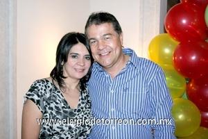 30112008 Sandra Guadalupe de Galindo junto a su esposo José Salvador Galindo
