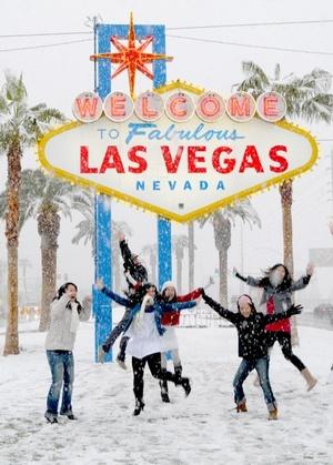 Para Las Vegas, la tormenta dejó una acumulación pesada y húmeda de nieve a lo largo de la afamada Franja.
