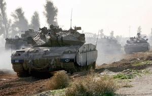 Las calles de ciudad Gaza se hallaban vacías. La mayoría de sus residentes permanecieron en sus hogares ante temores de nuevos ataques aéreos.