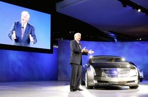 También presentaron el nuevo Cadillac Converj en el auto show