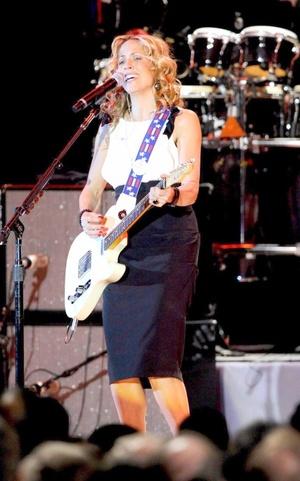 La cantante estadounidense Sheryl Crow también se presentó durante el Baile.