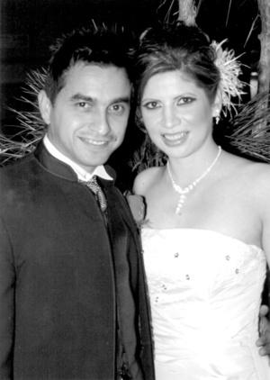 L.S.C. Alberto Alba Acosta y L.L.E. Ana Luisa Niño Valdivia contrajeron matrimonio civil el martes 30 de diciembre de 2008.